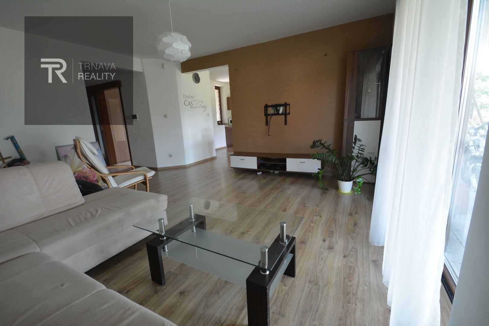Rodinný dom-Prenájom-Špačince-800 €