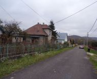 Na predaj rodinný dom 2300 m2 Bystričany časť Chalmová 70164