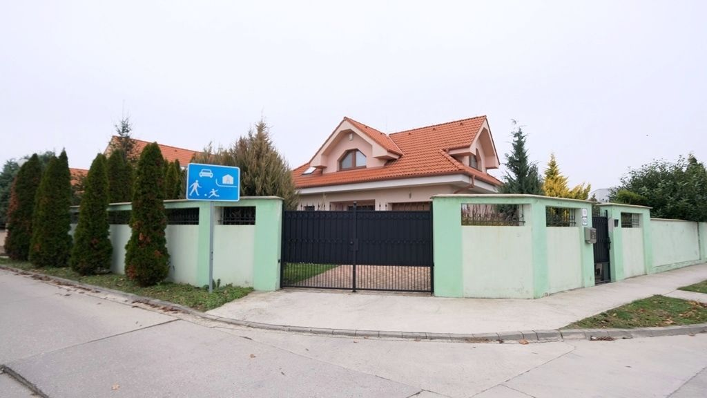 Rodinný dom-Predaj-Dunajská Lužná-389 000 €
