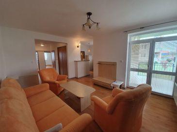 PREDAJ- veľký 3 izb. byt ZAVAR - bezbariérový vstup / balkón / loggia / pozemok