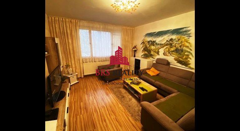 Slnečný 4 izbový byt, na Hrobákovej ulici v Petržalke, 87,02m2