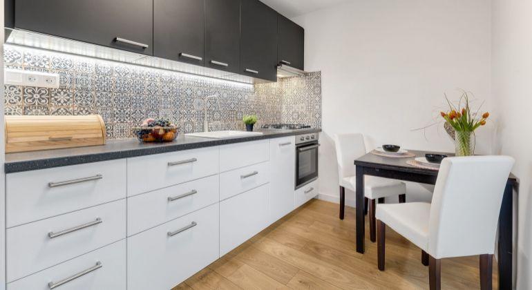 Prenájom 2-izbového priestranného a moderného bytu