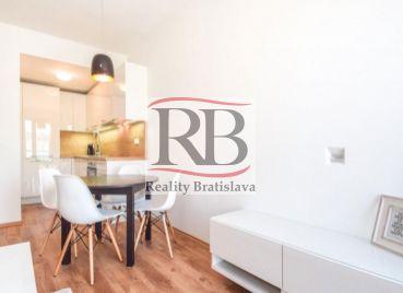 Na prenájom 2 izbový byt v centre Bratislavy na ulici Suché Mýto, BAI