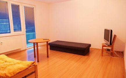 3-izb. byt, Nové Mesto n/V - Hájovky