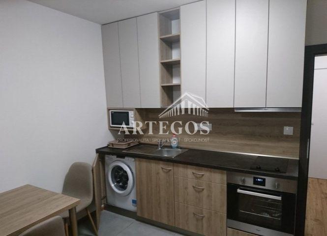 1 izbový byt - Senec - Fotografia 1