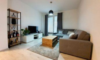 Atraktívny 2i byt v novostavbe obce Lednické Rovne, s parkovaním a 2x veľkou terasou s výhľadmi na Malé Karpaty