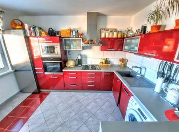 3D obhliadka Exkluzivne iba u nás 2 izbový byt po kompletnej rekonštrukcii na Nábreží