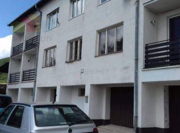 2 izbový byt na rekreačné využitie, 7 km od obce Čičmany, 52 m2