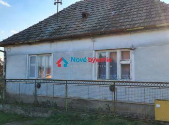 Ponúkame na predaj rozľahlý pozemok v obci  Rišňovce