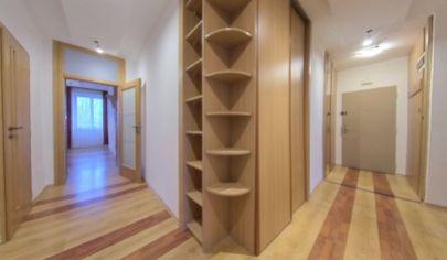 Predaj - 2 izbový staromestský byt v tehlovom bytovom dome - Staré mesto - BA I. TOP PONUKA !