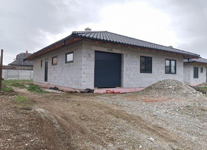 Rodinný dom - Košeca - Fotografia 1
