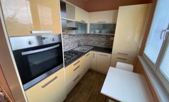 Ponúkame Vám na predaj 2 izbový byt Bratislava-Podunajské Biskupice,  Estónska.