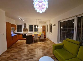 Moderný, kompletne zariadený byt s Terasou v tichej lokalite