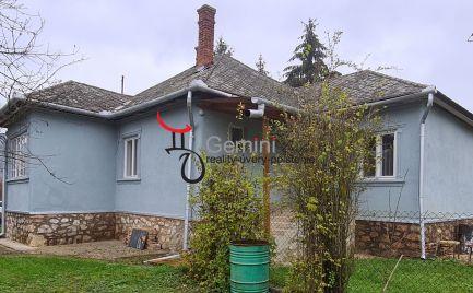 GEMINIBROKER v obci KOMJÁTI ponúka 4 izbový rodinný dom