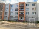 PREDANÝ 3 izbový veľkometrážny tehlový byt Martin – Jahodníky v nízkej bytovke