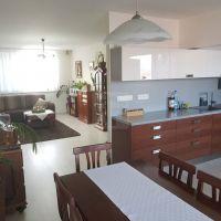 5 a viac izbový byt, Galanta, 121 m², Kompletná rekonštrukcia