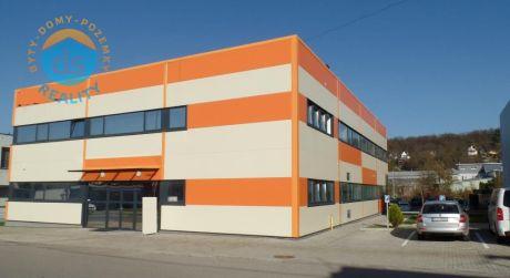 Na predaj Novostavba - Administrovaná budova 1.907 m2, parkovisko, Dubnica nad Váhom