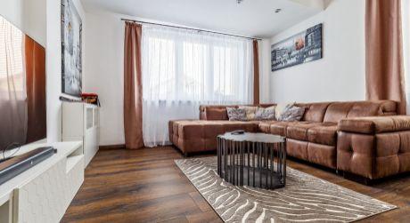 PONUKA KTORÁ SA NEODMIETA - predaj 2 rodinných domov za cenu jedného v Tomášove .