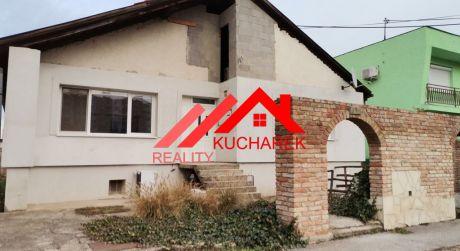Kuchárek-real: Predáme dom v Štúrove .