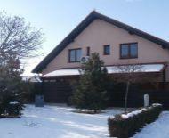 TOP Realitka – Exkluzívne, NOVOSTAVBA, 8-izbový RD, TEHLA, dvojgaráž, prístrešok, zimná záhrada, terasa, zateplenie, klimatizácia, TOP lokalita SC – Kalinčiakova