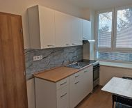 1 izbový komplet zrekonštruovaný tehlový byt, ulica Družstevná