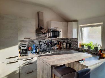Predaj rodinný dom s veľkým pozemkom poskytujúcim súkromie vo Vištuku, okres Pezinok.