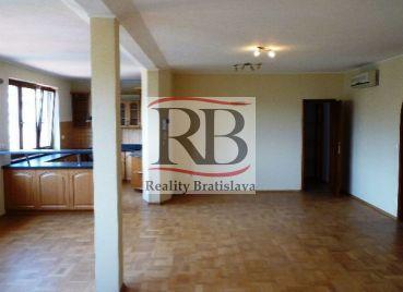5 izbový byt s terasou na predaj