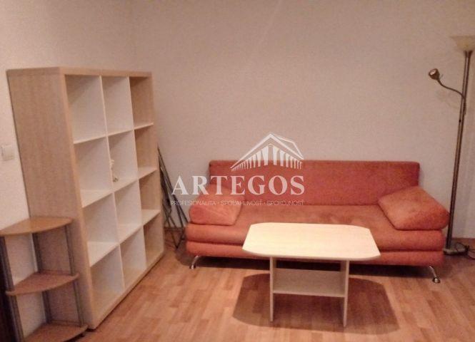 1 izbový byt - Bratislava-Vajnory - Fotografia 1