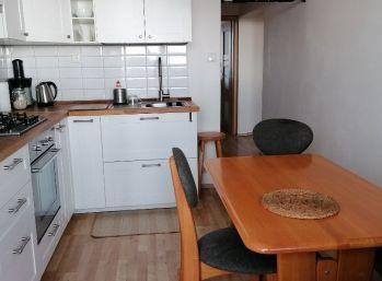 REZERVOVANÝ !!! Priestranný 3 izbový byt s klimatizaciou