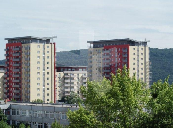 PREDANÉ - NEJEDLÉHO, 1-i byt s BALKÓNOM, 37 m2 - byt v NOVOSTAVBE, s garážovým státím, dobre dispozične riešený, VÝBORNÁ CENA