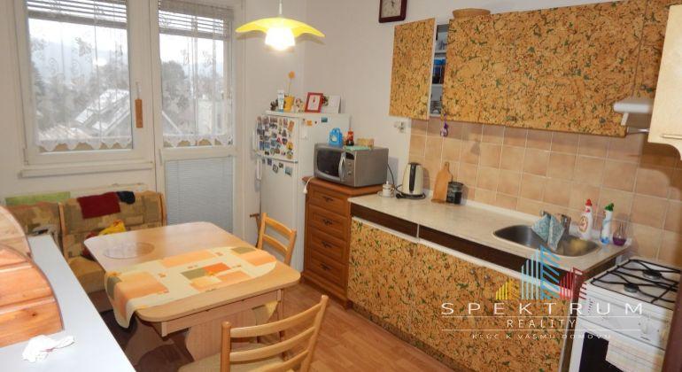 REZERVOVANÉ-MASTER REAL-Na Predaj 3-izbový byt 70 m2, Žiar nad Hronom