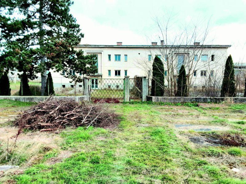 Poľnohospodársky objekt-Predaj-Šahy-105000.00 €