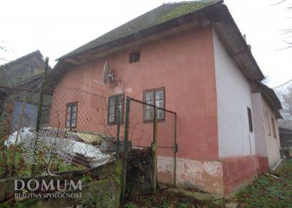 1i rodinný dom Drgoňova dolina - Stará Turá, spoločný dvor