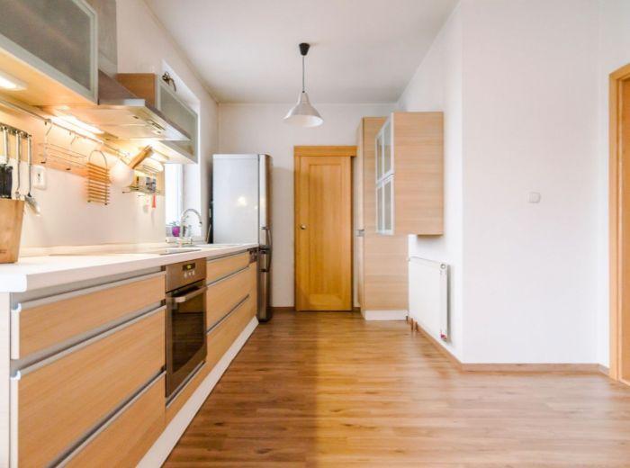 PODUNAJSKÁ, 2-i byt, 84 m2 – NOVOSTAVBA, 2 balkóny, PARKOVACIE STÁTIE, mesačné náklady 63 EUR