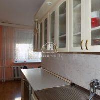 4 izbový byt, Nové Zámky, 80.96 m², Čiastočná rekonštrukcia