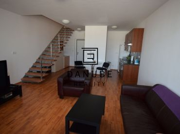 Prenájom veľký 4-izbový byt, mezonet v Bratislave-Novom meste, Koloseo.