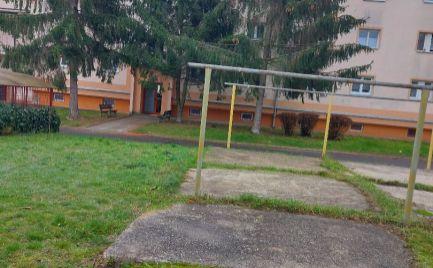 Predaj, tehlový trojizbový byt, Centrum I., Žiar nad Hronom