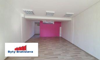 Províziu RK neplatíte!!! RK Byty Bratislava ponúka na prenájom obchodné priestory 69m2 v OD Slimák, Hálkova, BA - Nové Mesto.