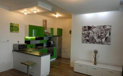 Pekný a slnečný 2 izbový byt na prenájom vrodinnom dome, Prešov - Šidlovec.