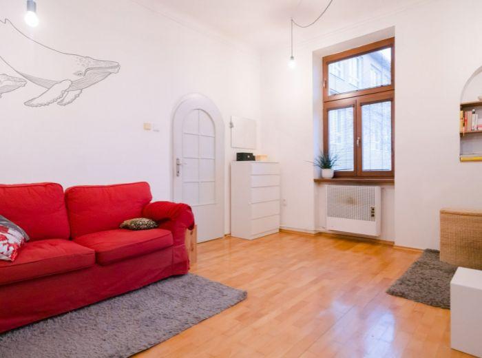 PALÁRIKOVA, 4-i byt, 55 m2 - PODKROVIE 70 m2, rekonštrukcia, KULTÚRNA PAMIATKA, tehla, TERASA