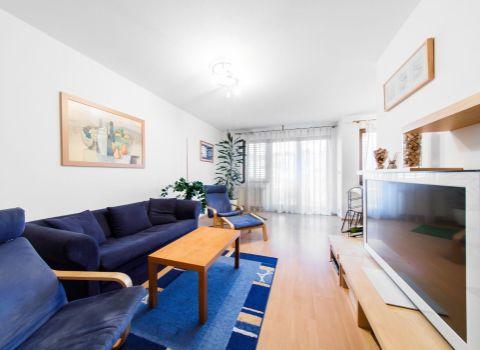 PREDANÝ- Na predaj výnimočný 3 izbový byt s výhľadom na Slavín s 2 balkónmi