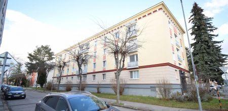 NA PREDAJ zariadený a udržiavaný 1izb byt vo vyhľadávanej lokalite v Trenčíne