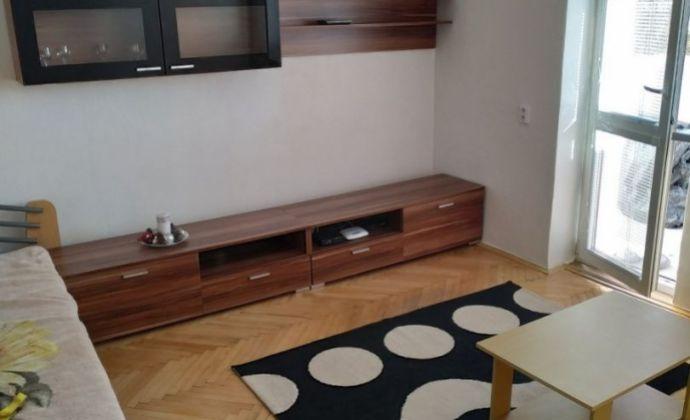 Prenájom 1-izbového bytu s loggiou - Martin – PODHÁJ