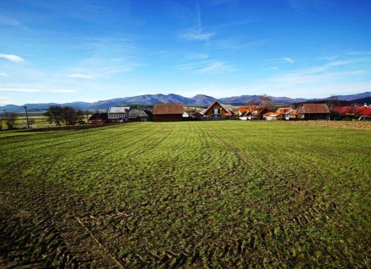 Krásny slnečný pozemok o výmere 1079 m2, Blažovce, okres Turčianske Teplice