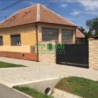 Rodinný dom, Brestovany, 685 m², Pôvodný stav