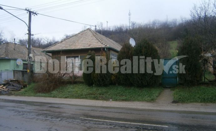 REZERVOVANÉ: Rekonštruovaný, starší rodinný dom v obci Dubník na predaj!