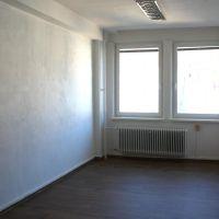 Kancelárie, Banská Bystrica, 23 m², Čiastočná rekonštrukcia
