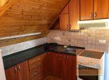 Prenájom priestranného 2-izbového bytu v podkroví rodinného domu so samostatným vstupom, ul. Železničná, BA II - Vrakuňa