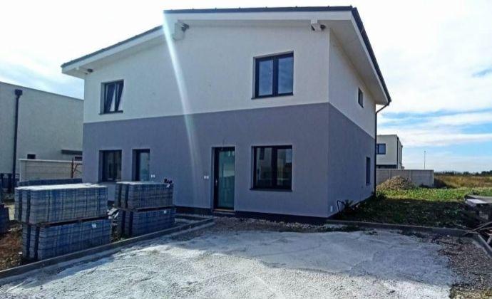 Ponúkame na predaj novostavbu rodinného domu v obci Miloslavov