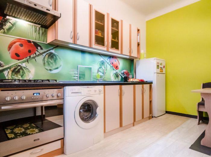 VAJNORSKÁ, 1-i byt, 50 m2 – TOP LOKALITA, uzatvorený a tichý dvor, MOŽNOSŤ DOBUDOVAŤ PREDZÁHRADKU